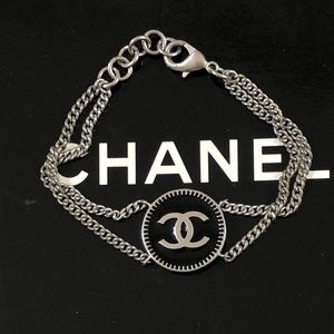 🆕 Chanel CC Medallion Chain Bracelet, in Box 🎁